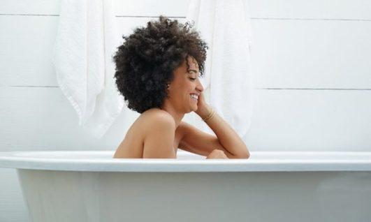 black-woman-naked-bath-tub