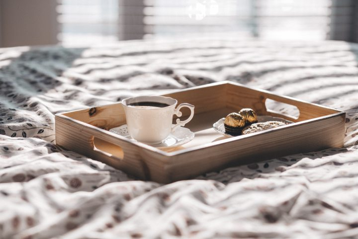 bed-blur-breakfast-405237.jpg